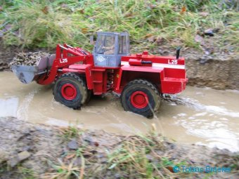 Modell_Radlader_O&K L25 im Wasser | RC wheel loader in water