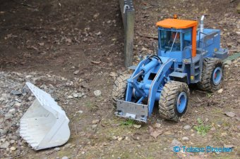 Radlader Komatsu WA500 von Stahl mit dem Braeker-Lock Schnellwechsler + Felsschaufel XL | RC wheel loader with quick coupler + Rock Bucket XL